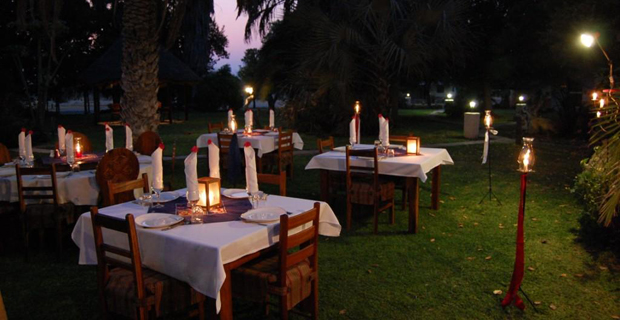 07_outdoor-dining