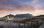 SouthAfriaSelfDrive_Cape-Town-Waterfront-bei-Nacht-185x120
